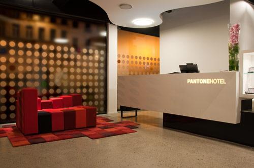 Pantone-hotel-1
